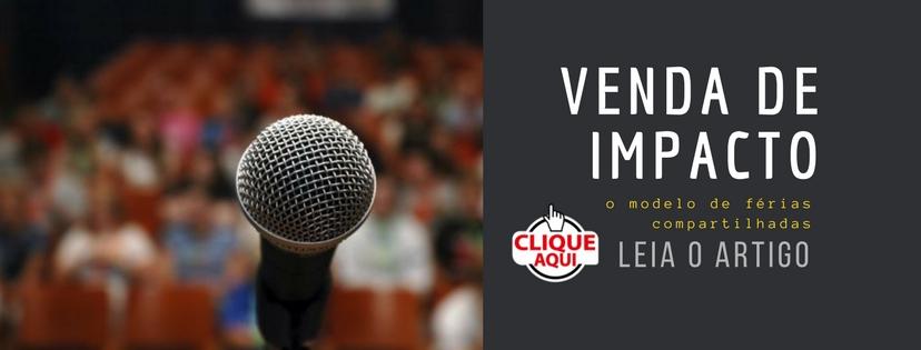 Banner com a chamada para um artigo de venda de impacto com a imagem de um microfone em um pedestal no palco e o público no fundo