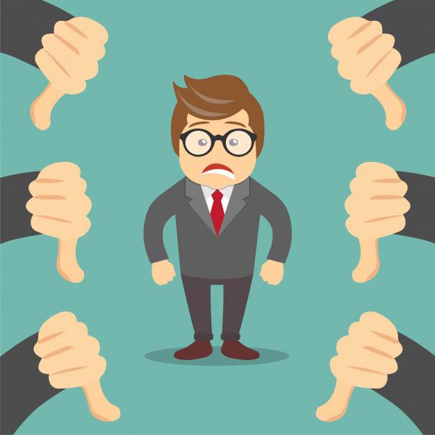Empreendedor com muitos sinais de negativo